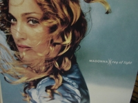 """Madonna, Ray of Light (2 LPs - Pressed in Germany - Eurosealed)"" - Product Image"